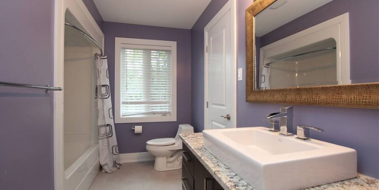 960 Elsett Drive Main Bathroom